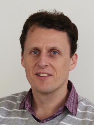 Dr Daniel Elton