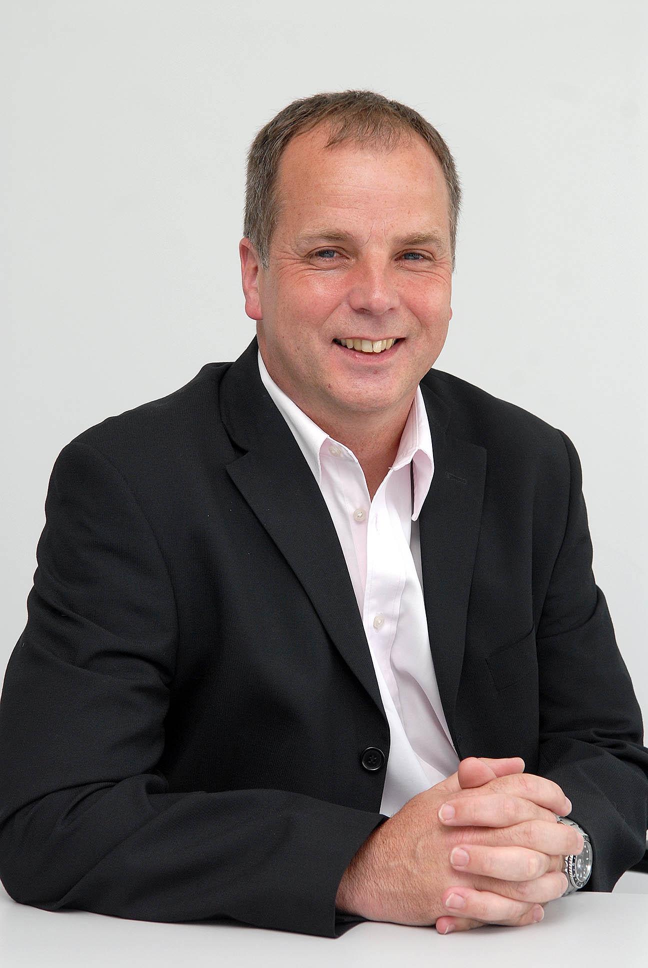 Dr Stuart Kirby