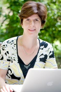 Dr Judit Kormos