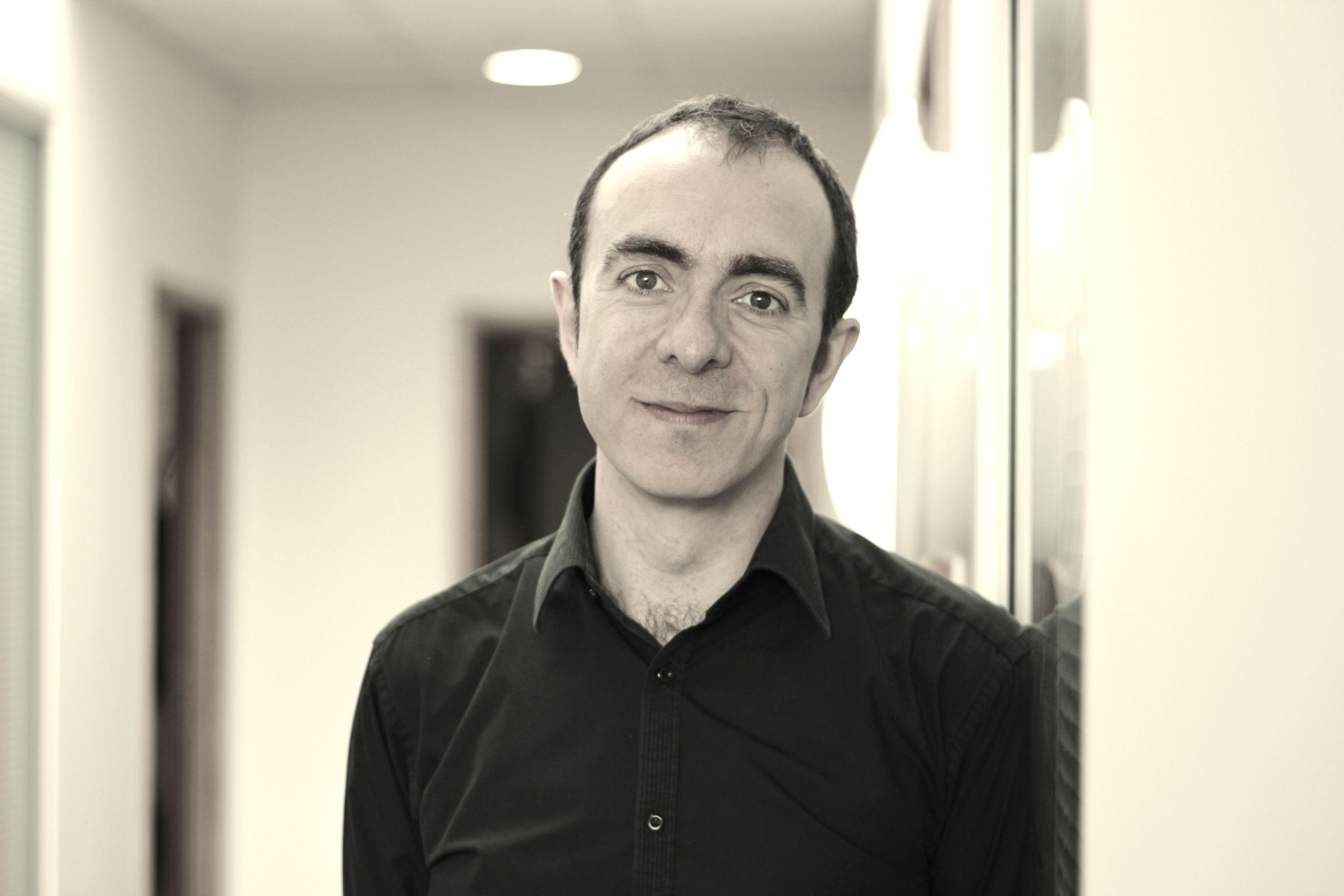 Dr Paul McKenna