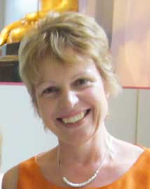 Dr Julia Gillen