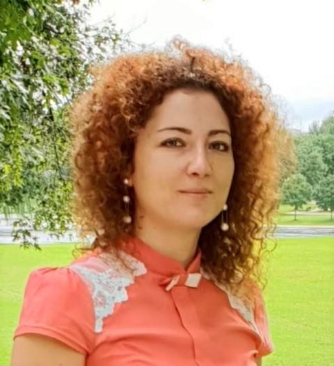 Mirela Miescu